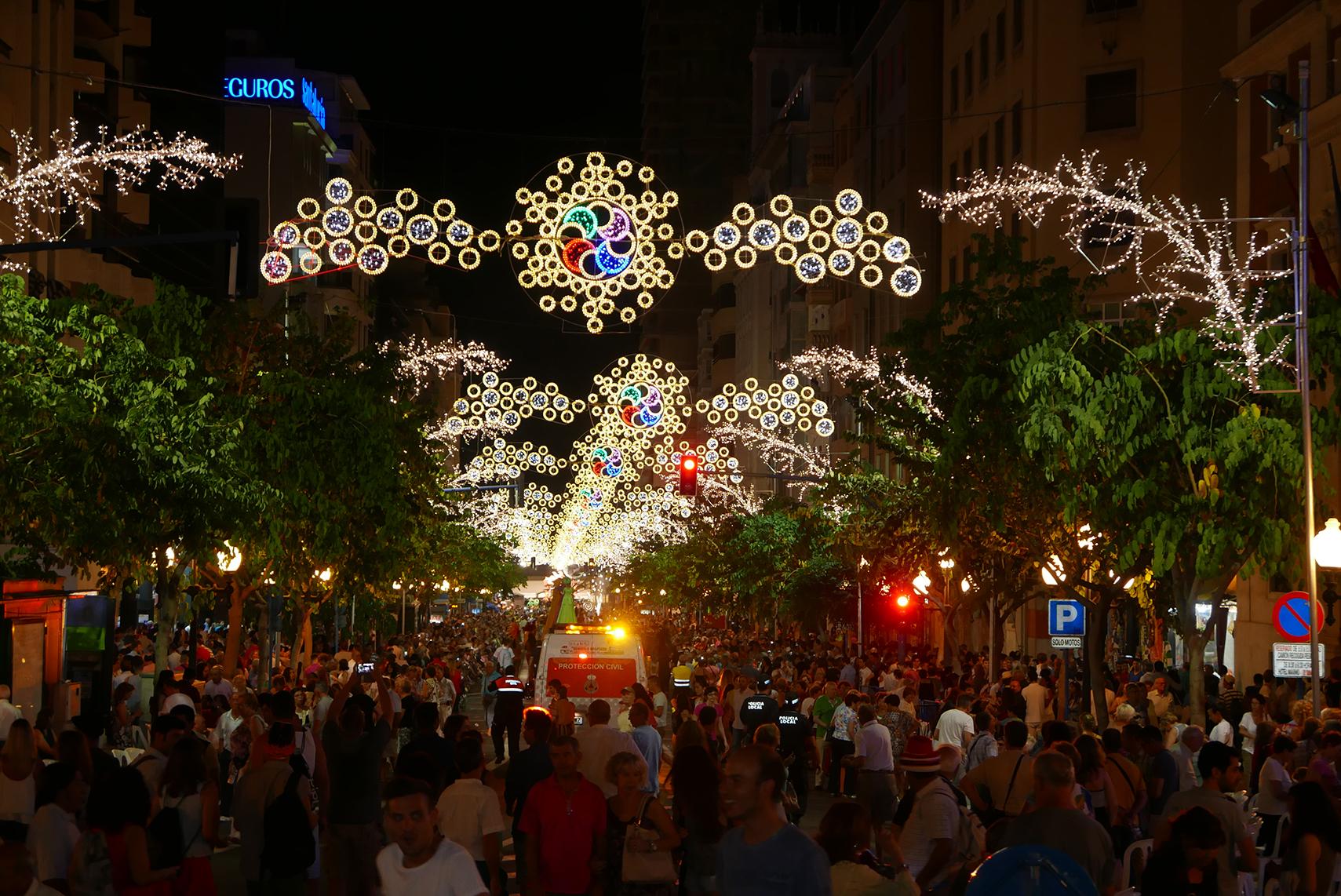 Elecfes Iluminaciones Fiesta 16